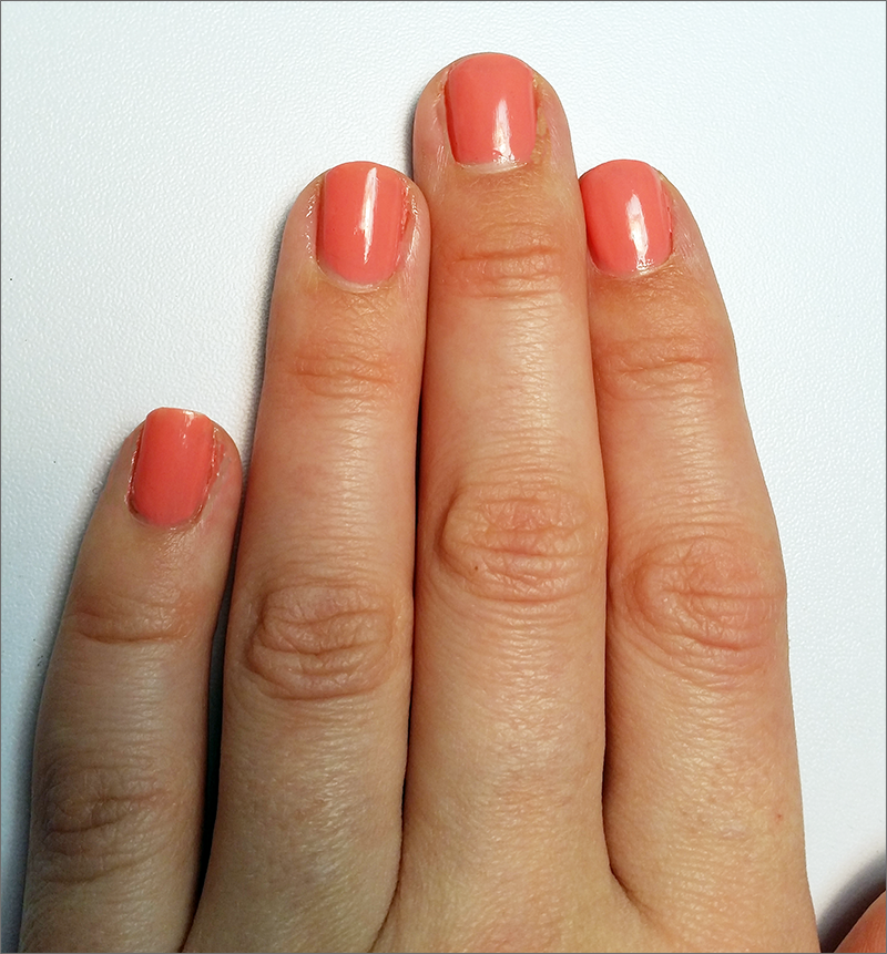 coral_nails_before